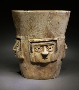new-untouched-royal-tomb-peru-drinking-vessel_68840_600x450